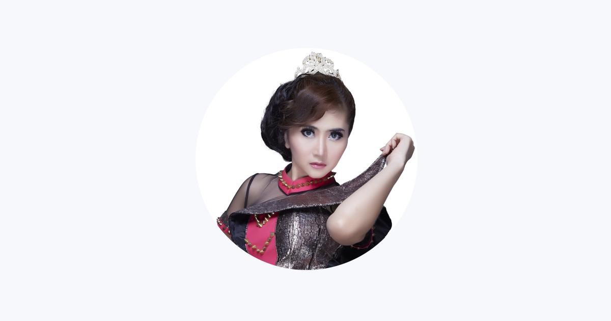 Ratu Dewi Idola