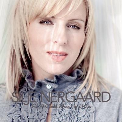 If I Could Wrap Up a Kiss (Silje's Christmas) - Silje Nergaard