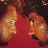 Download Lagu MP3 Daryl Hall & John Oates - Maneater