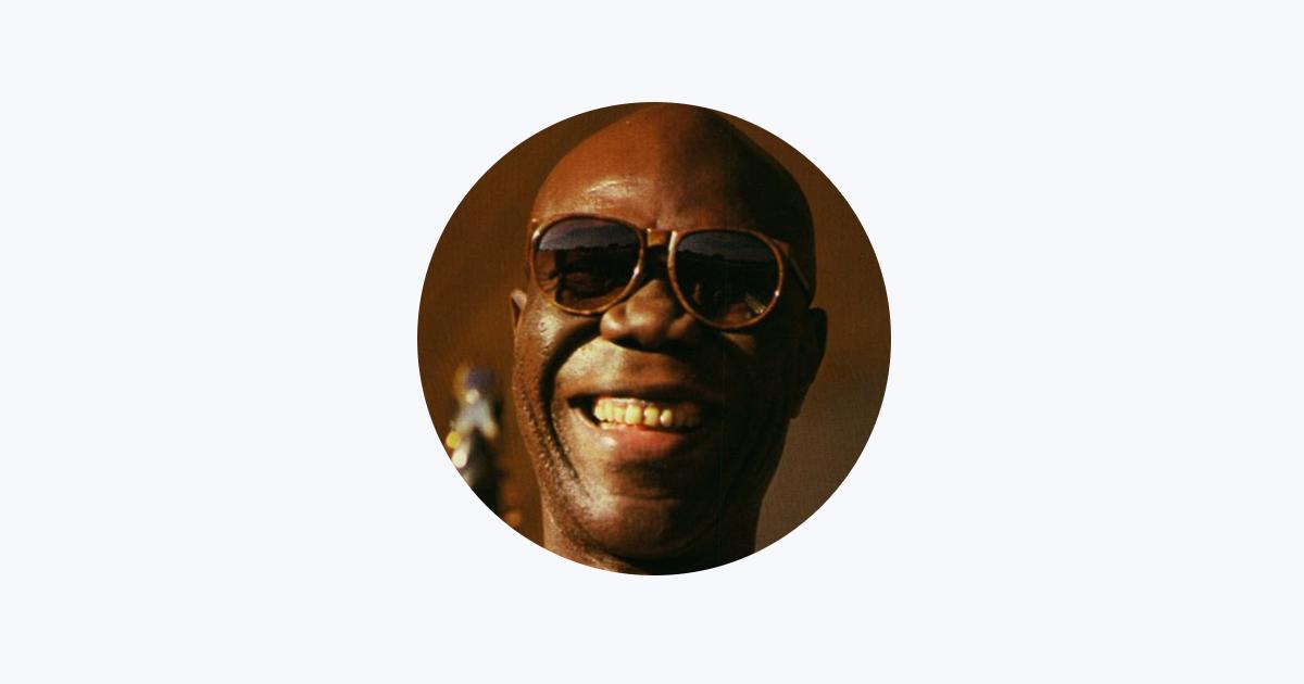 Manu Dibango on Apple Music