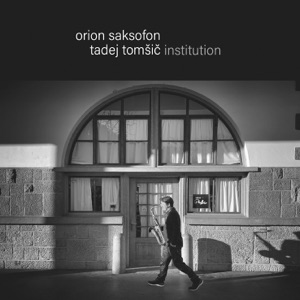 Tadej Tomšič Institution - Zemlja pleše feat. Nina Strnad
