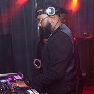 DJ BuzzB