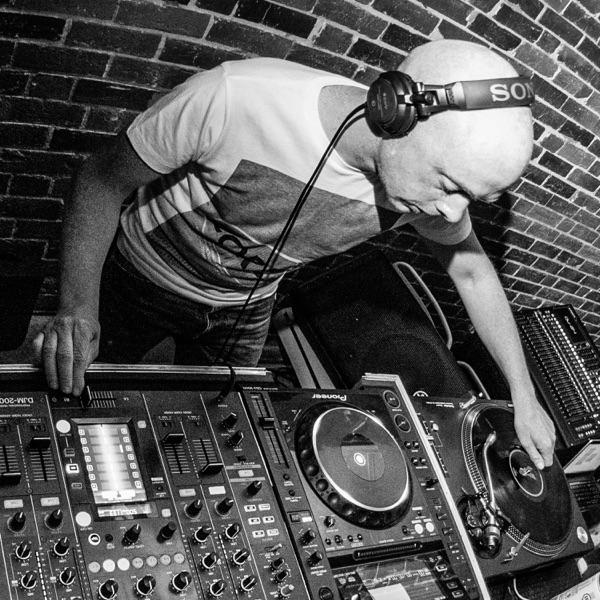 Mike Speed | React Radio UK Show | www.reactradio.uk | Underground & Oldskool Beats