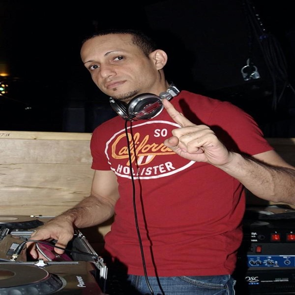 DEEJAY DAVE