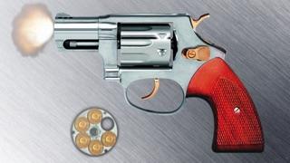 模拟左轮手枪