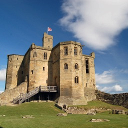 Historical Castles - Wallpapers & Slideshow HD