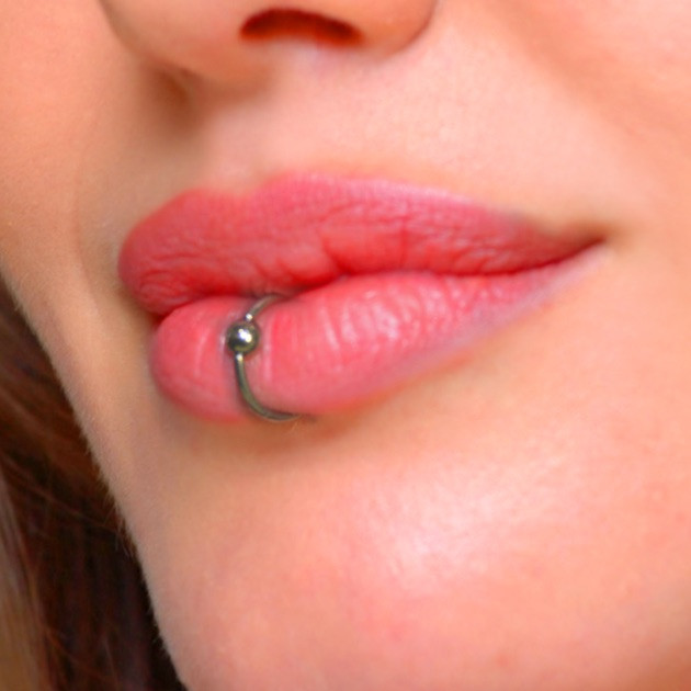 Lip Piercing Booth - O...
