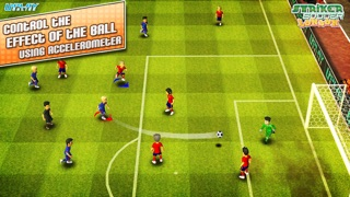 Striker Soccer London: your goal is the gold screenshot three