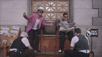 Mark Ronson Uptown Funk (feat. Bruno Mars) music review