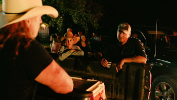 Blake Shelton Hell Right (feat. Trace Adkins) music review