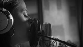 Auf anderen Wegen Vanessa Mai German Pop Music Video 2020 New Songs Albums Artists Singles Videos Musicians Remixes Image