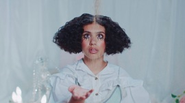 Sweet Dream Alessia Cara Pop Music Video 2021 New Songs Albums Artists Singles Videos Musicians Remixes Image
