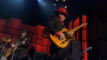 Dhani Harrison, Jeff Lynne, Prince, Steve Winwood & Tom Petty & The Heartbreakers While My Guitar Gently Weeps (Live at the Waldorf-Astoria Hotel, New York City, 3/15/2004) music review